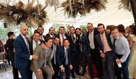 Rafael con sus amigos.