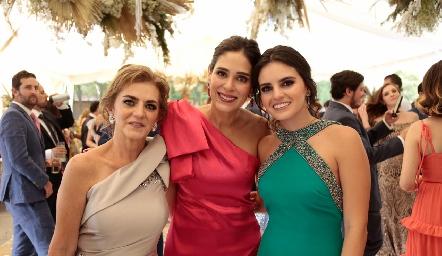 Adriana Carrera, Maribel Lozano y Adriana Olmos.