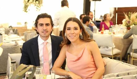 Memo Gómez y Michelle Cano.