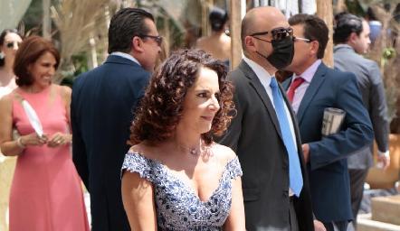 Alejandra Meade.