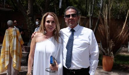 Lupita Pereda y Alejandro Santibáñez.