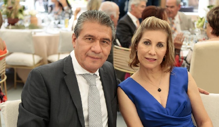 Juan Manuel Cruz y Magda.