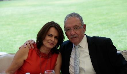 Lorena y Carlos Hernández.
