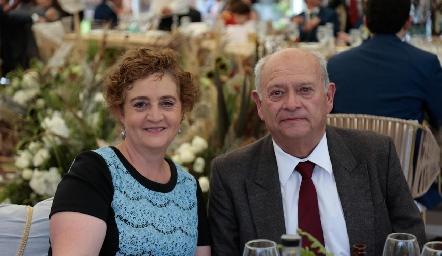 Rosy Flores y Carlos Aldrete.