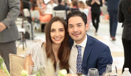 Mariana Alcalá y Miguel Torres.