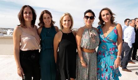 Paola Soto, Ale Allende, Ivette Coulon, Claudia Altamirano y Sandra Salgado.
