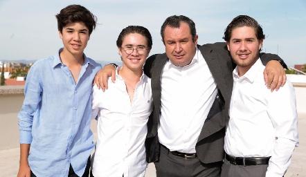José María, Juan Pablo, Humberto y Humberto Abaroa.