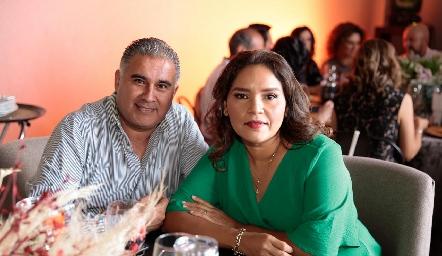 Edgardo Escalante y Erika Alfaro.