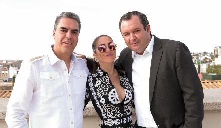 Gabriel Ortiz, Olivia Flores y Humberto Abaroa.