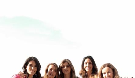 Ana Aranda, Verónica de Hernández, Yezmín Sarquis, Gabriela Estrada y Romina Madrazo.