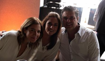 Daniela Calderón, Claudia Altamirano y Salomón Dip.