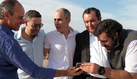 Gildo Gutiérrez con los hermanos Gonzalo, Marcelo, Humberto y Fernando Abaroa.