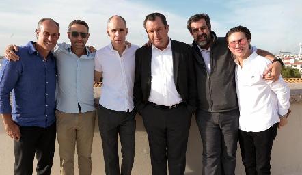 Gildo Gutiérrez, Gonzalo, Marcelo, Humberto, Fernando y Juan Pablo Abaroa.
