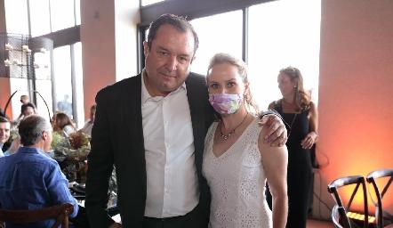 Humberto Abaroa y Elizabeth Heinze.