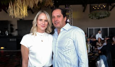Anya y Jorge Morales.