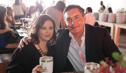 Verónica y Alejandro Espinosa.