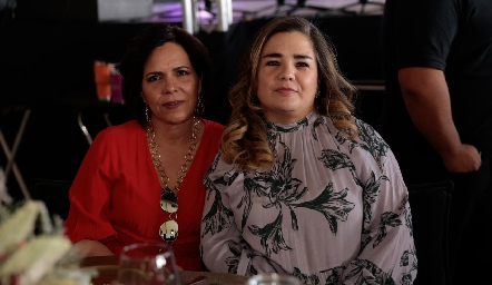 Alejandra Martínez y Cecilia Compean.