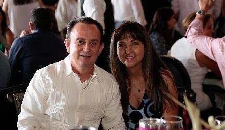 Arturo y Nereida Hervert.