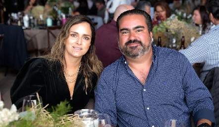 Patricia Estrada y Juan José Leos.