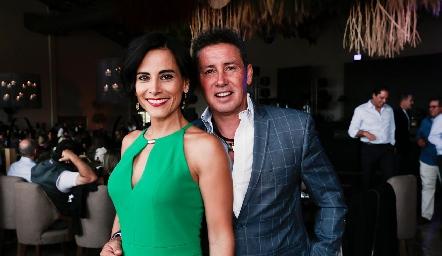 Anilú Enríquez y Víctor Moctezuma.
