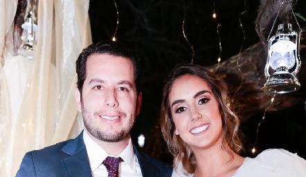 Juan Pablo Castillo y Lu Borbolla ya son esposos.