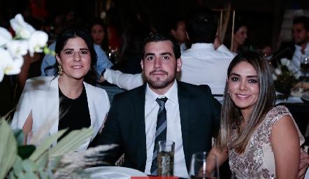 Andrea Guzmán, Diego Castillo y Paty Rivera.
