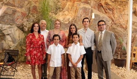 Vanessa Galarza, Gerardo Rodríguez, Meritchell Galarza, Lorea Gómez, Marcelo Rodríguez, José Martínez, Pablo y Gonzalo.