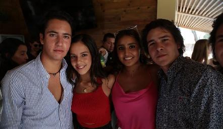 Roberto Silva, Jimena Delsol, Camila Reyes y Mauricio Buendía
