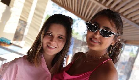 Isabela Navarro y Camila Reyes.