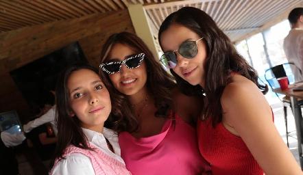 Valentina Nava, Camila Reyes y Jimena del Sol.