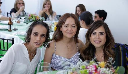 Iliana Ramos, Elsa Izaguirre y Pilar Díaz de León.