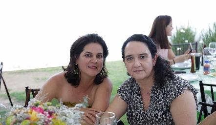 Cynthia Sánchez y Ceci Hernández.