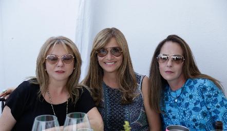 Marcela Navarro, Lula Alvarado y Claudia Pedroza.