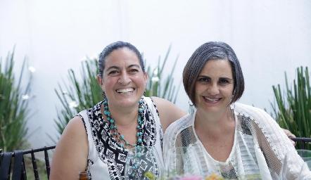Luz María Algara y Vero Díaz.