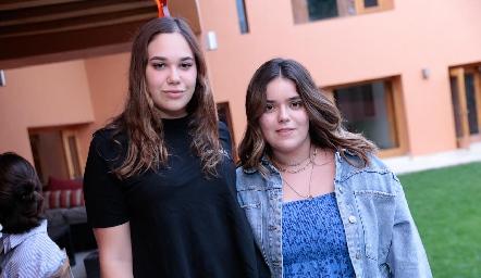 Mishelle Compean y Carlota de la Garza.
