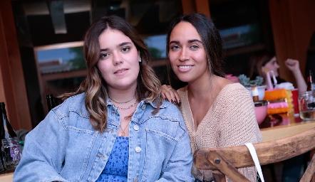 Carlota de la Garza y Ana Pau Méndez.