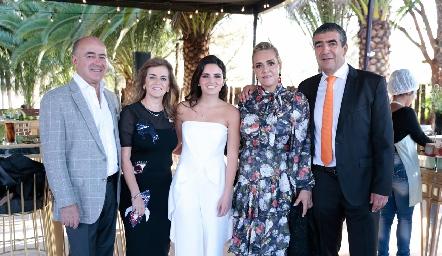 Rafael Olmos, Adriana Carrera, Adriana Olmos, Mimí Hinojosa y Horacio Tobías.