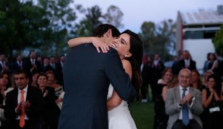 Mauricio Tobías y Adriana Olmos ya son esposos.