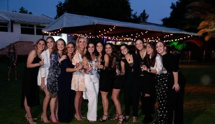 Sofía Ascanio, Claudia Mahbub, Nabil Sáenz, Macarena Gómez, María Lorca, Adriana Olmos, Maribel Rodríguez, Maru Payán, Daniela de los Santos, Ana Pao Rangel, Cristy Lorca y Fer Torres.