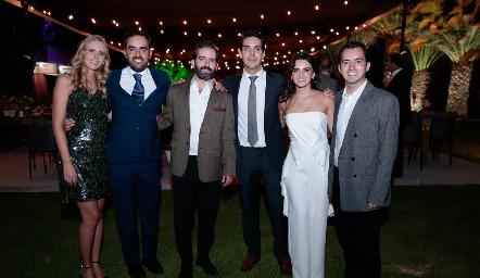 Ingrid Velasco, Rafael Olmos, Joaquín Olmos, Mauricio Tobías, Adriana Olmos y José Julián Olmos.