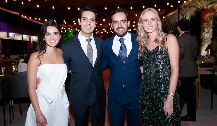 Adriana Olmos, Mauricio Tobías, Rafael Olmos e Ingrid Velasco.