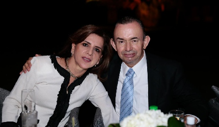 Ana Emelia Tobías y Alejandro Pérez.