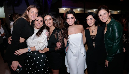 Bety Hernández, Cristy Lorca, Maru Payán, Adriana Olmos, Daniela de los Santos y Ana Pao Rangel.