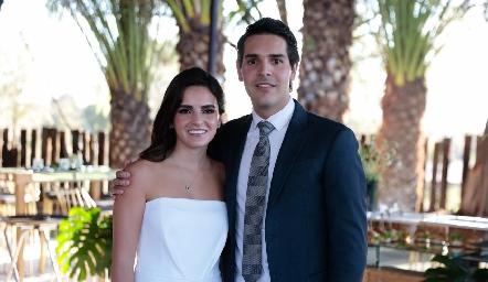 Adriana Olmos y Mauricio Tobías en su Boda Civil.