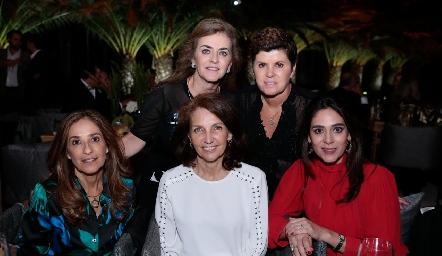 Adriana Carrera, Verónica Martínez, Mónica Gaviño, Claudia Canales y Maribel Lozano.