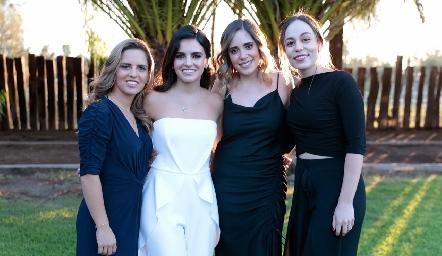 Macarena Gómez, Adriana Olmos, Sofía Ascanio y Fernanda Torres.
