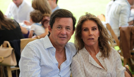 Carlos y Lourdes López.