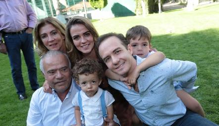 Familia Lorca Meade y Lorca Velázquez.
