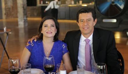 Tere Cadena y Andrés González.