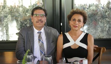 Ernesto y Consuelo.